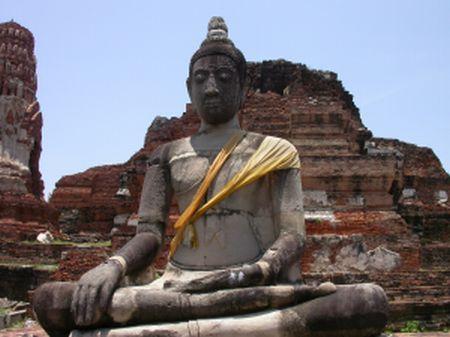 ayuthaya_buddha.jpg